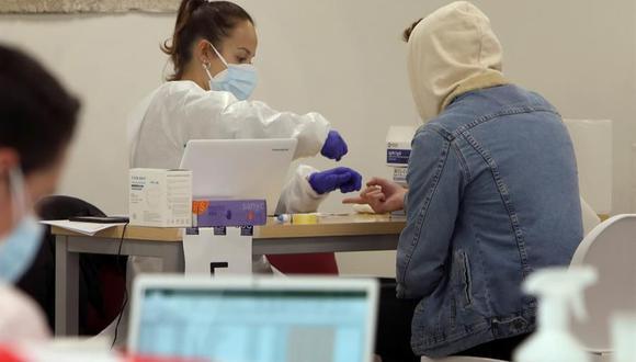 Asintomáticos pierden más rápido los anticuerpos del coronavirus. (Foto: EFE/Xoan Rey).