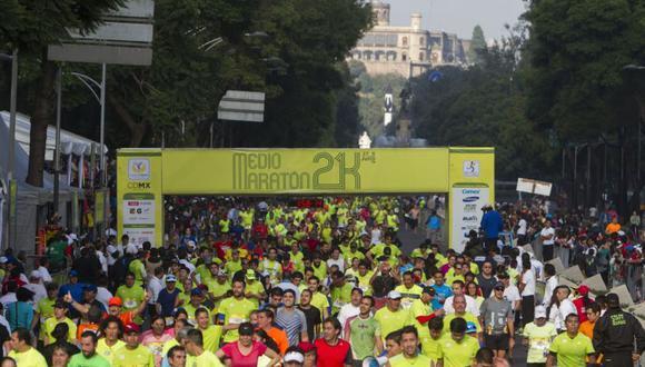 El Medio Maratón de la Ciudad de México se corrió este domingo por varias de las principales avenidas de la capital y fue dominado por los corredores africanos. | Foto: Captura / Referencial