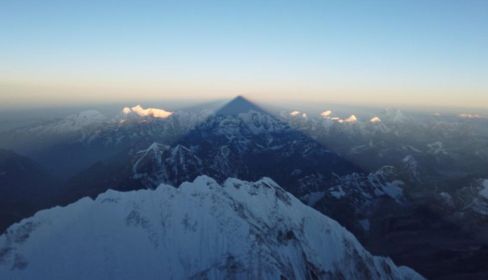 ¿Por qué una sombra mortal cuelga de la cumbre del Everest? (Foto: Reuters)