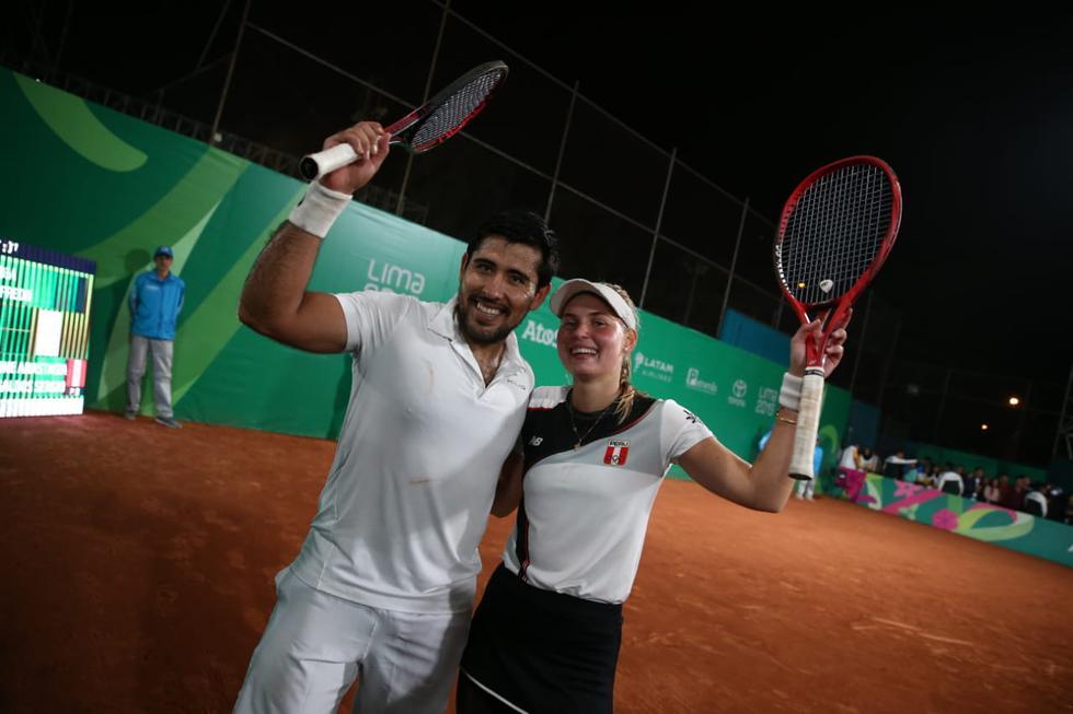 La dupla conformada por Anastasia Iamachkine y Sergio Galdos lograron quedarse con la medalla de bronce en la categoría de dobles mixtos, frente al equipo de Guatemala. (Giancarlo Ávila)