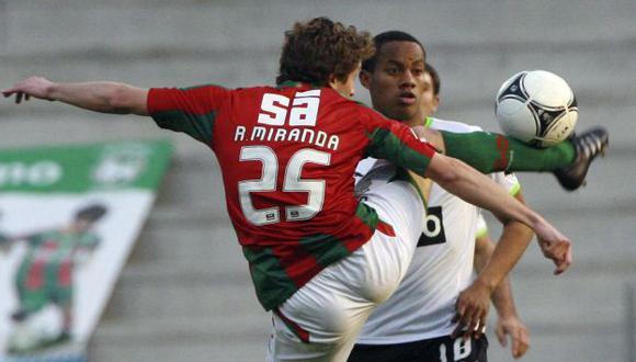 Carrillo jugó 74 minutos. (Reuters)