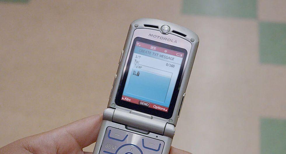 Y es que si bien la compañía taiwanesa lanzó hace unos días su nueva versión del Nokia 8810 que fue lanzado originalmente en 1998, ahora Motorola hará lo mismo con su Moto RAZR del 2004. (Teknófilo)