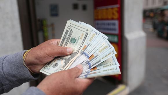 En el mercado paralelo o casas de cambio de Lima, el tipo de cambio se cotiza a S/ 3.980 la compra y S/ 4.020 la venta. (Foto: Jesus Saucedo / GEC)