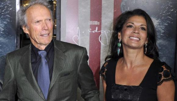Clint Eastwood y Dina Ruiz en 2011. (EFE)