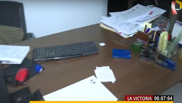 Delincuentes robaron computadoras, laptops y otros materiales de la oficina. (Captura: BDP)