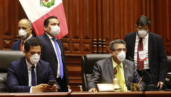 Manuel Merino informó que el propio Vicente Zeballos presentó un documento al Congreso pidiendo presentarse para solicitar el voto de confianza. (Foto: Congreso)