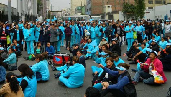 Fiscalía inicia investigación penal a Sindicato de Enfermeras de Essalud. (Perú21)