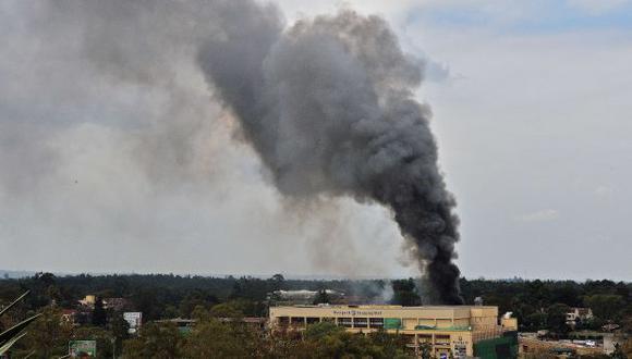 RESCATE FINAL. Una fuerte explosión se escuchó ayer en el lujoso centro comercial Westgate. (AFP)