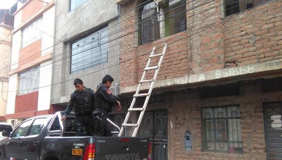 Niñas pidieron auxilio a través de la ventana de una casa. (Samuel Vilca)