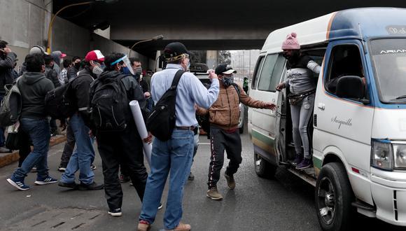 Proyecto propone extender las autorizaciones por 10 años a todas las rutas de las combis, coasters y buses, a partir del 1 de noviembre. (Foto: Ángela Ponce/GEC)