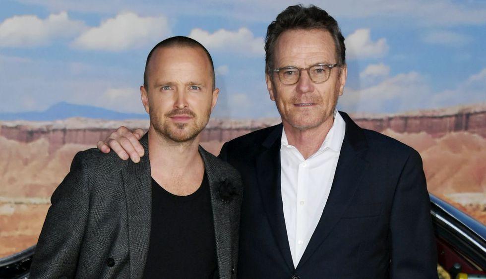 """'Walter White' y 'Jesse Pinkman' se reencontraron en el avant premiere de """"El Camino"""". (Fotos: AFP)"""
