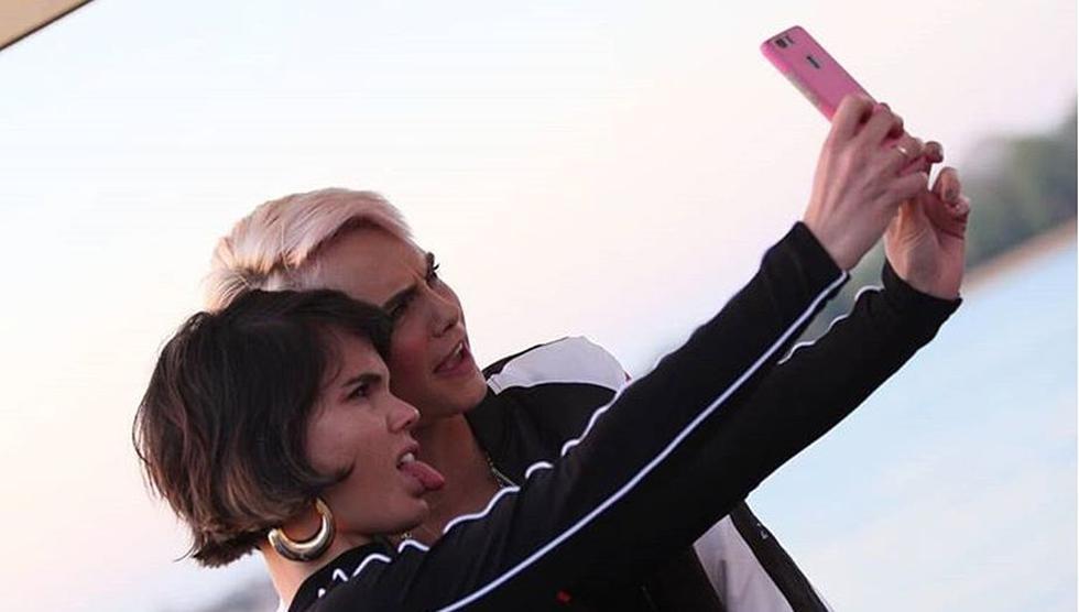 Alessandra Denegri y Cara Delevingne coincidieron en Venecia. (Instagram)