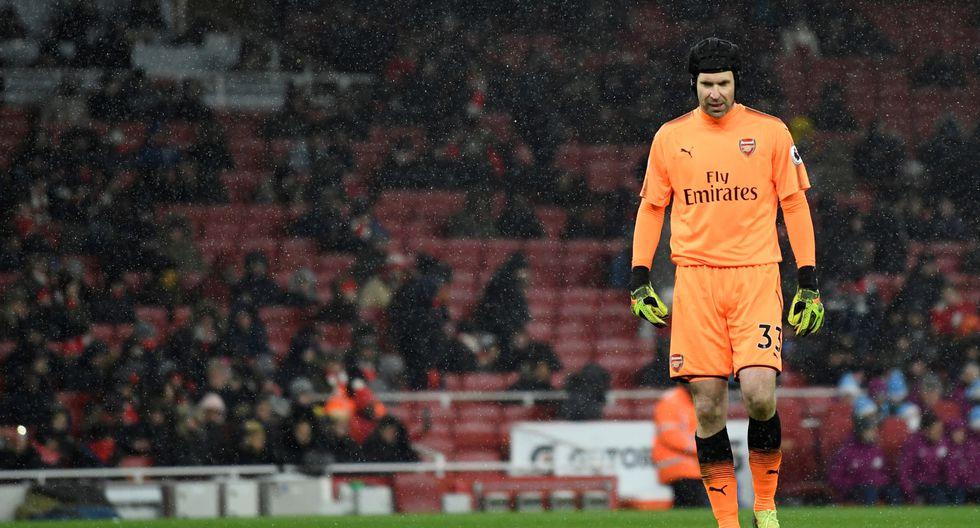 El conjunto ciudadano liderado por Pep Guardiola sentenció la holgada diferencia en la primera etapa del compromiso disputado en el Emirates Stadium. (REUTERS)