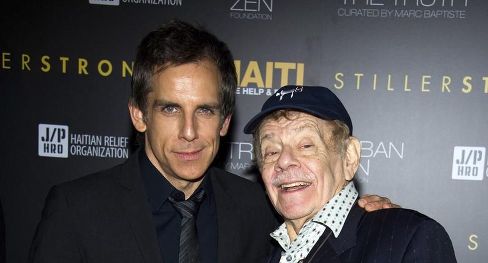 Una imagen de Ben Stiller, a la izquierda, y su padre Jerry Stiller, en febrero de 2011. (AP/Charles Sykes)
