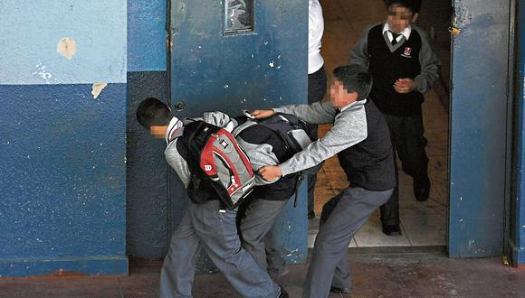 Estudiantes En peligro. Los casos de violencia escolar aumentan año tras año y afectan el desarrollo de los niños y adolescentes. (Perú21)
