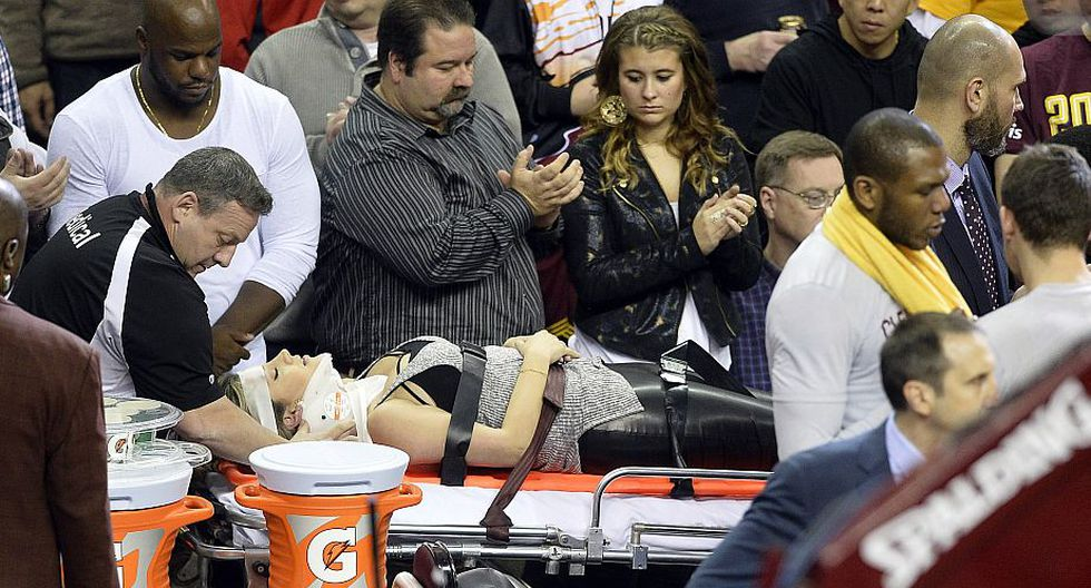 LeBron James cayó sobre la esposa del golfista Jason Day y la mandó al hospital. (Reuters)