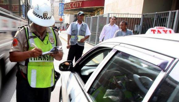NUEVOS AIRES. Taxis con 28 años serán retirados en diciembre. (USI)