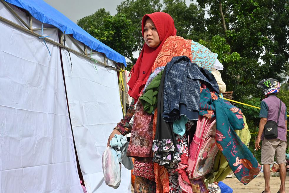 El tsunami golpeó el sábado el litoral del estrecho de la Sonda, que separa las islas de Sumatra y Java, y dejó al menos 429 muertos. (AFP)