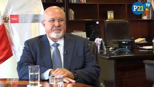 Carlos Bruce: Gobierno y oposición quedaron golpeados por la confrontación