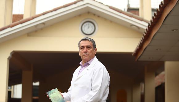 Hernán Cavalié, poeta y médico nuclear del hospital Almenara. (FOTO: ALESSANDRO CURRARINO/EL COMERCIO)
