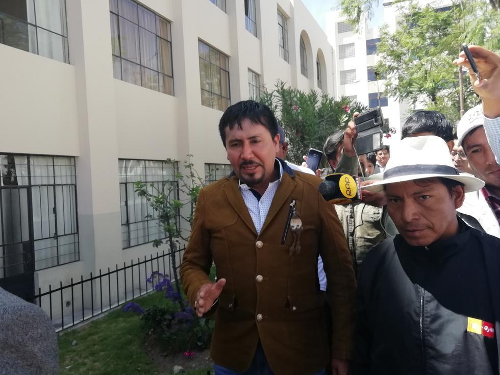 Candidato Elmer Cáceres amenaza con denunciar a periodistas. (Miguel Idme/Perú21)