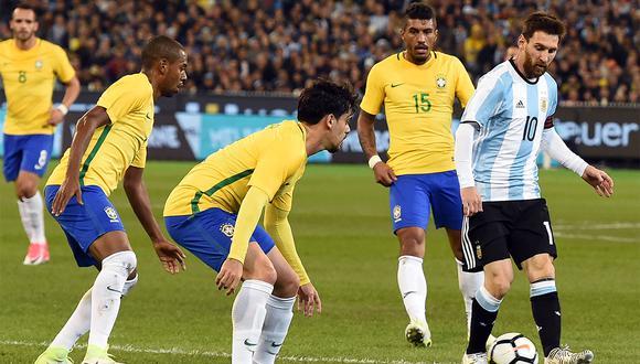 Lionel Messi y la polémica por quién es el mejor de la historia es una de las rivalidades del Brazsil vs. Argentina. (Foto: AFP)