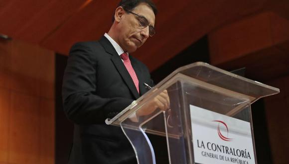 El presidente Martín Vizcarra firmó el compromiso anticorrupción junto a la Contraloría General de la República. (Foto: Twitter)