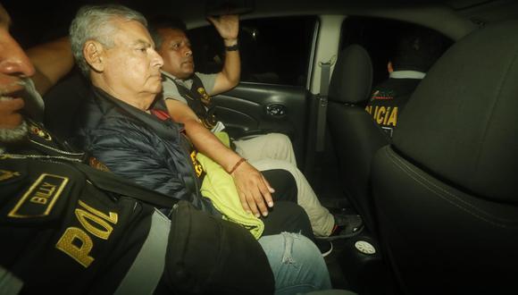 César Villanueva pasó la noche en la carceleta de la Prefectura de Lima. (Foto: Piko Tamashiro/GEC)