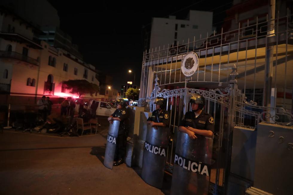 Reportan movimiento irregular en la Embajada de Venezuela en Lima. (Hugo Pérez)