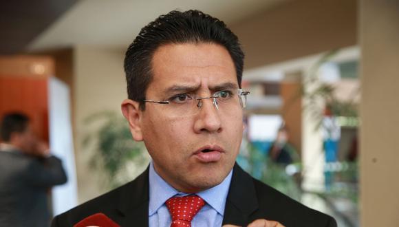 El procurador Amado Enco estimó que en tres meses podrían presentar un nuevo pedido de extradición contra César Hinostroza. (Foto: Andina)
