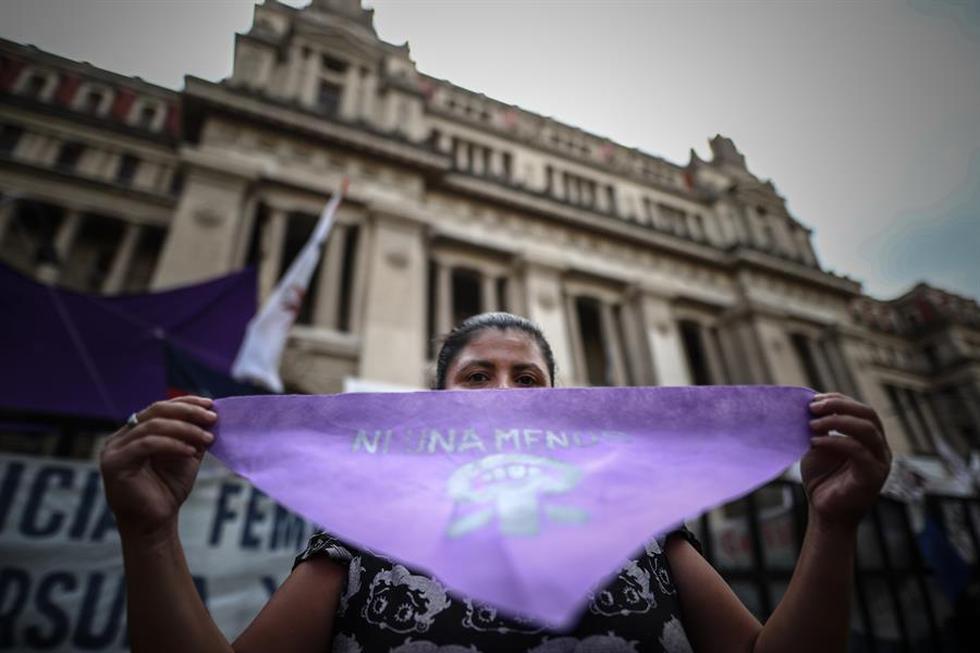 La actuación de la Justicia argentina en el crimen de Úrsula Bahillo causó indignación en el país debido a las repetidas denuncias que ella había presentado contra su supuesto asesino, que además era miembro de las fuerzas de la Policía de la Provincia de Buenos Aires. (Foto: EFE/Juan Ignacio Roncoroni)