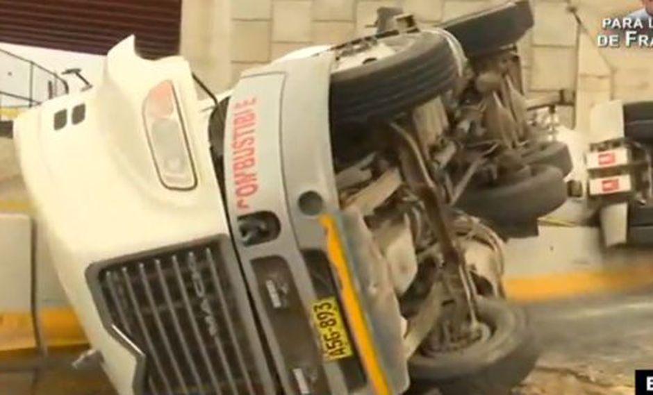 Vía Evitamiento: Volcaduras de camiones generan intenso tráfico en la zona. (ATV)