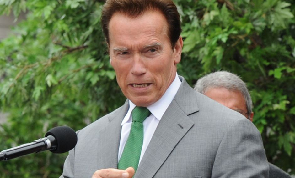 2003 fue el año en que Schwarzenegger fue elegido Gobernador del Estado de California y continuó hasta 2011.