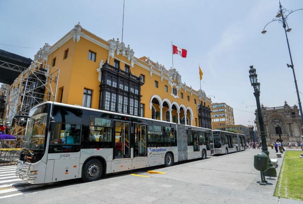 Hoy el alcalde de Lima, Jorge Muñoz, supervisó cuatro buses articulados del Metropolitano con distintas alternativas de ventilación (Foto: Municipalidad de Lima)