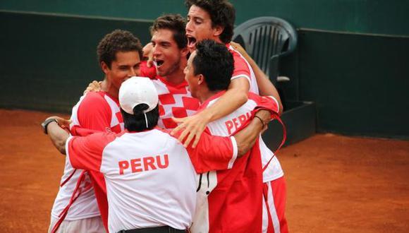 Brian Panta, Mauricio Echazú, Duilio Vallebuona y Juan Pablo Varillas integraron el grupo. (Federación Peruana de Tenis)