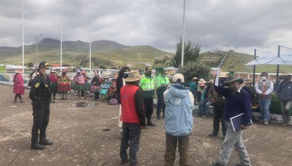 Fiscal llegó hasta dicha localidad para reunirse con pobladores (Foto: Fiscalía)