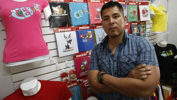 S/.300 fue el capital inicial de Víctor Avalos para comprar saldos en Gamarra. (Luis Gonzáles)