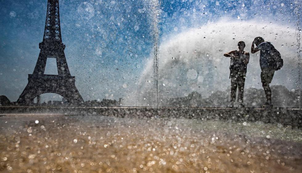 Nueva alerta en Francia por agobiante ola de calor. (Foto: AFP)