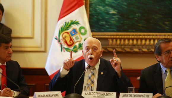Carlos Tubino (Violeta Ayasta)
