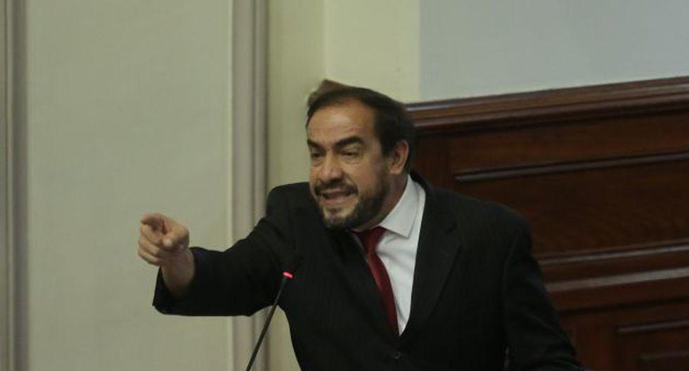 """Lescano se enfrenta al fujimorismo y califica como """"mordaza"""" proyecto de ley de Fuerza Popular."""