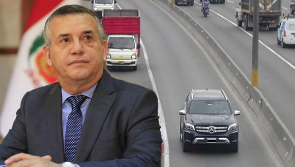 Camioneta de Daniel Urresti se trasladó por el carril exclusivo para camiones. (Foto: Municipalidad de Lima)