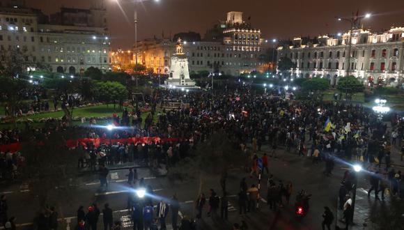 Miles de personas marcharon para protestar contra la corrupción en el sistema judicial. (Geraldo Caso/Perú21)