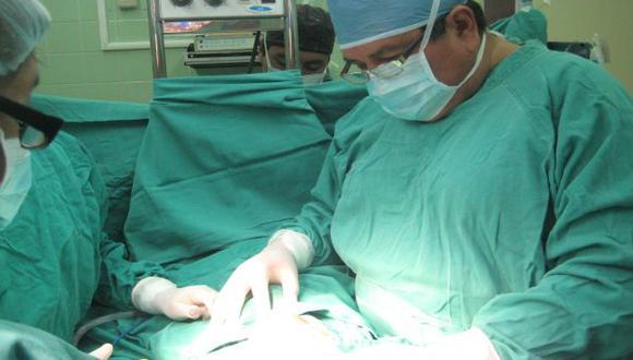 Los hampones encapuchados y armados se robaron todos sus implementos quirúrgicos (USI)