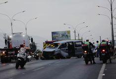 Ocho comerciantes se encuentran graves tras despiste de minivan en estado de emergencia [FOTOS]