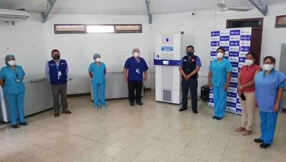 Piura es la tercera región en adquirir una ultra congeladora, La Libertad y Cusco ya cuentan con estos equipos biomédicos que facilitarán el proceso de vacunación a los adultos mayores de 80 años (Foto: EsSalud)