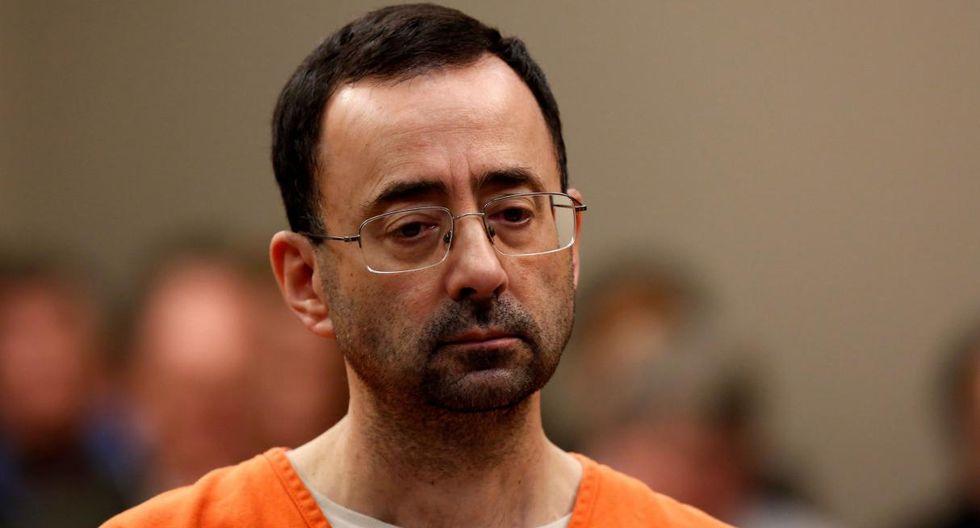 Larry Nassar, ex médico del equipo de gimnasia de Estados Unidos, ha sido sentenciado entre 40 y 125 años de prisión tras abusar a más de 150 mujeres —más de la mitad de las cuales eran menores de edad—, informa CBS News. (Reuters)