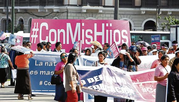 Protestas. Diversos colectivos, cabe recordar, salieron a marchar contra el currículo escolar.  (MarioZapata/Perú21)