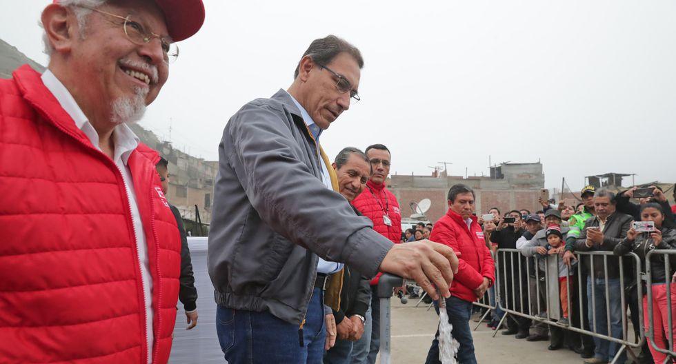 Martín Vizcarra entregó servicios de agua potable y desagüe a vecinos de Ate Vitarte. (Presidencia de la República)
