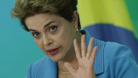 "SE DEFIENDE. Rousseff admitió estar ""triste"", pero no ""abatida"". (AP)"