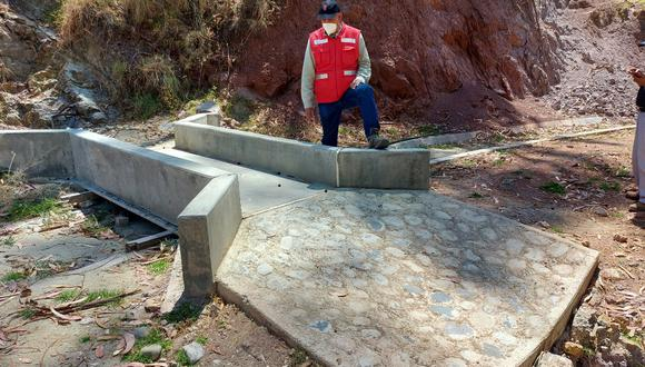 La obra es ejecutada por el Programa de Pequeña y Mediana Infraestructura de Riego en la Sierra del Perú – PIPMIRS, a cargo de Agro Rural.